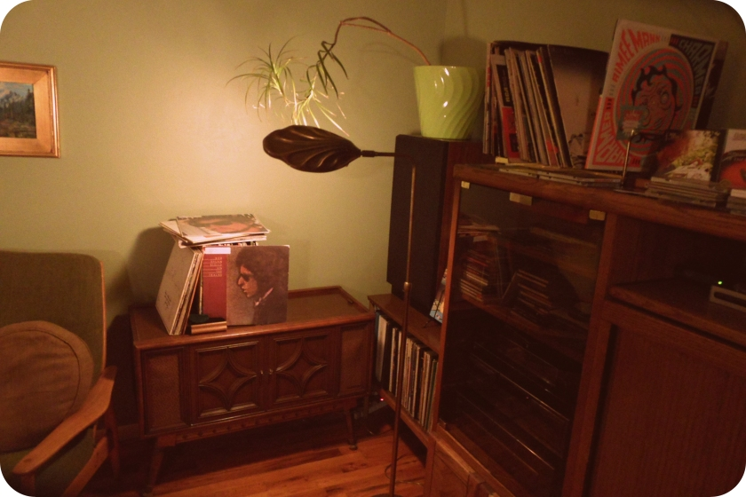 Livingroom_record player